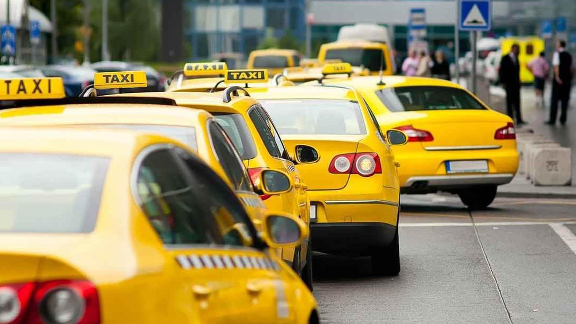 В Туле с 1 июля введут обязательный желтый цвет для такси