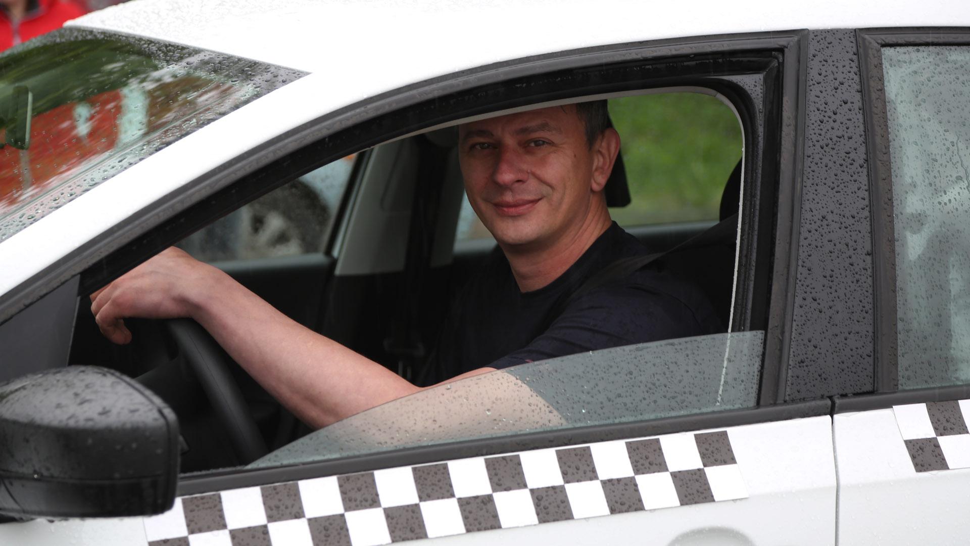 В Томске выбрали лучшего водителя такси. Репортаж телеканала «Томское время»