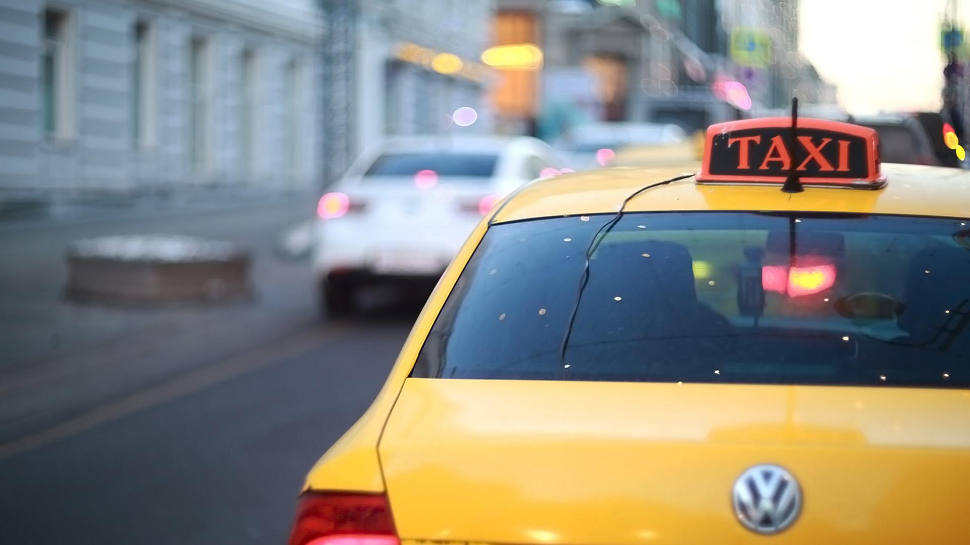 Агрегаторы такси будут передавать властям персональные данные водителей