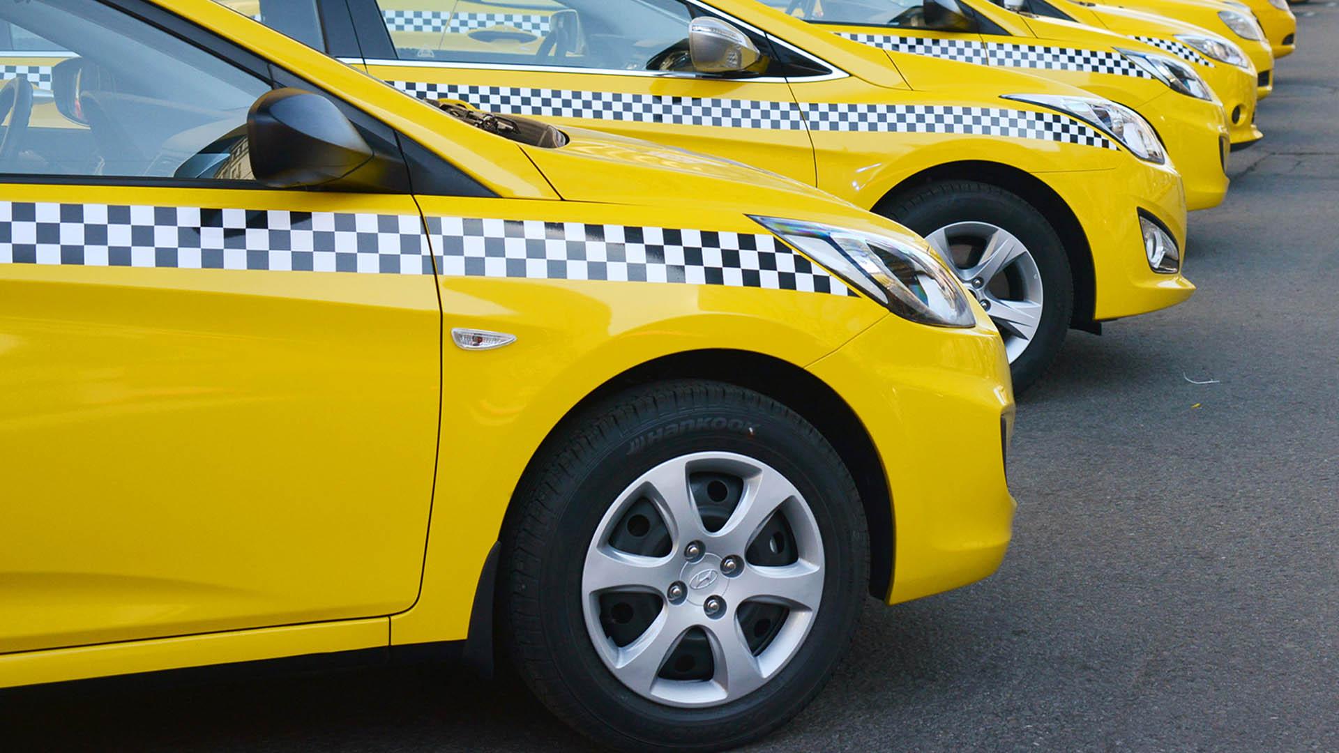 В Санкт-Петербурге подписаны новые требования к такси: обеспечение условий доступности для инвалидов