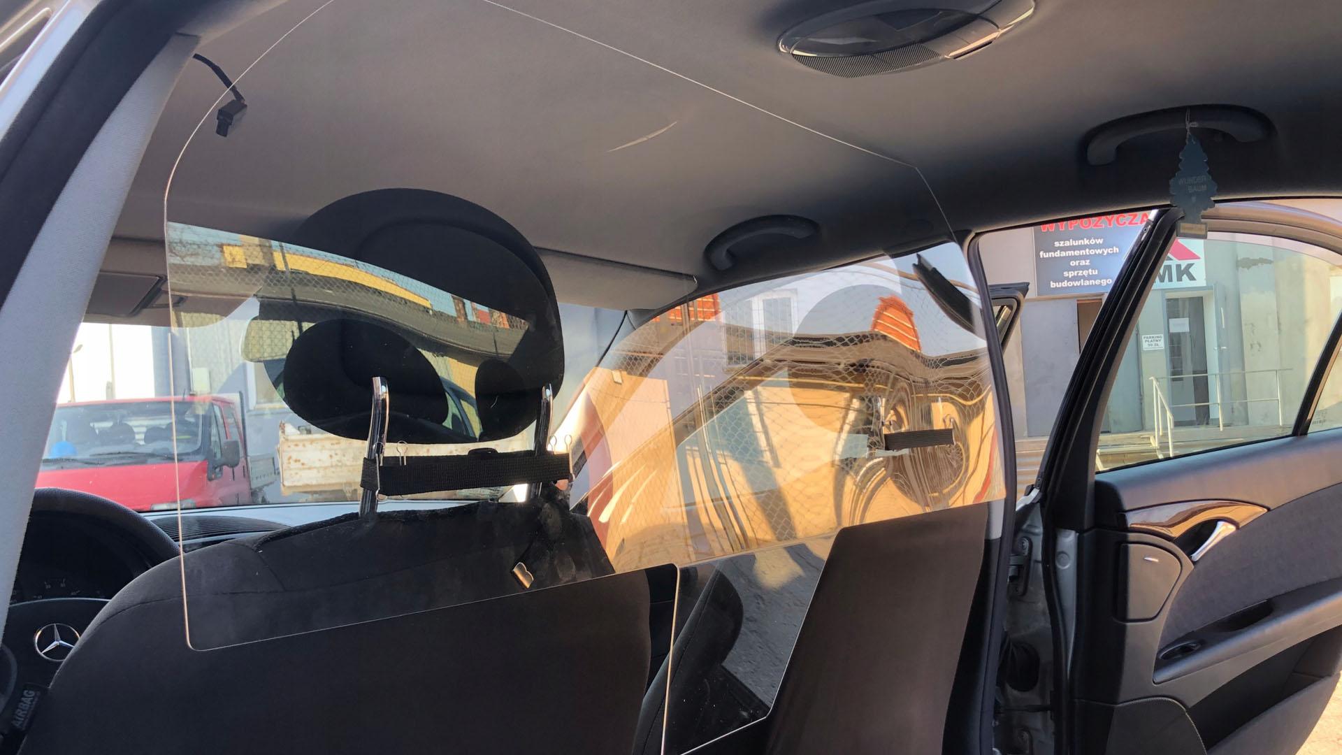Общественный Совет помог решить вопрос с перегородками в такси Свердловской области