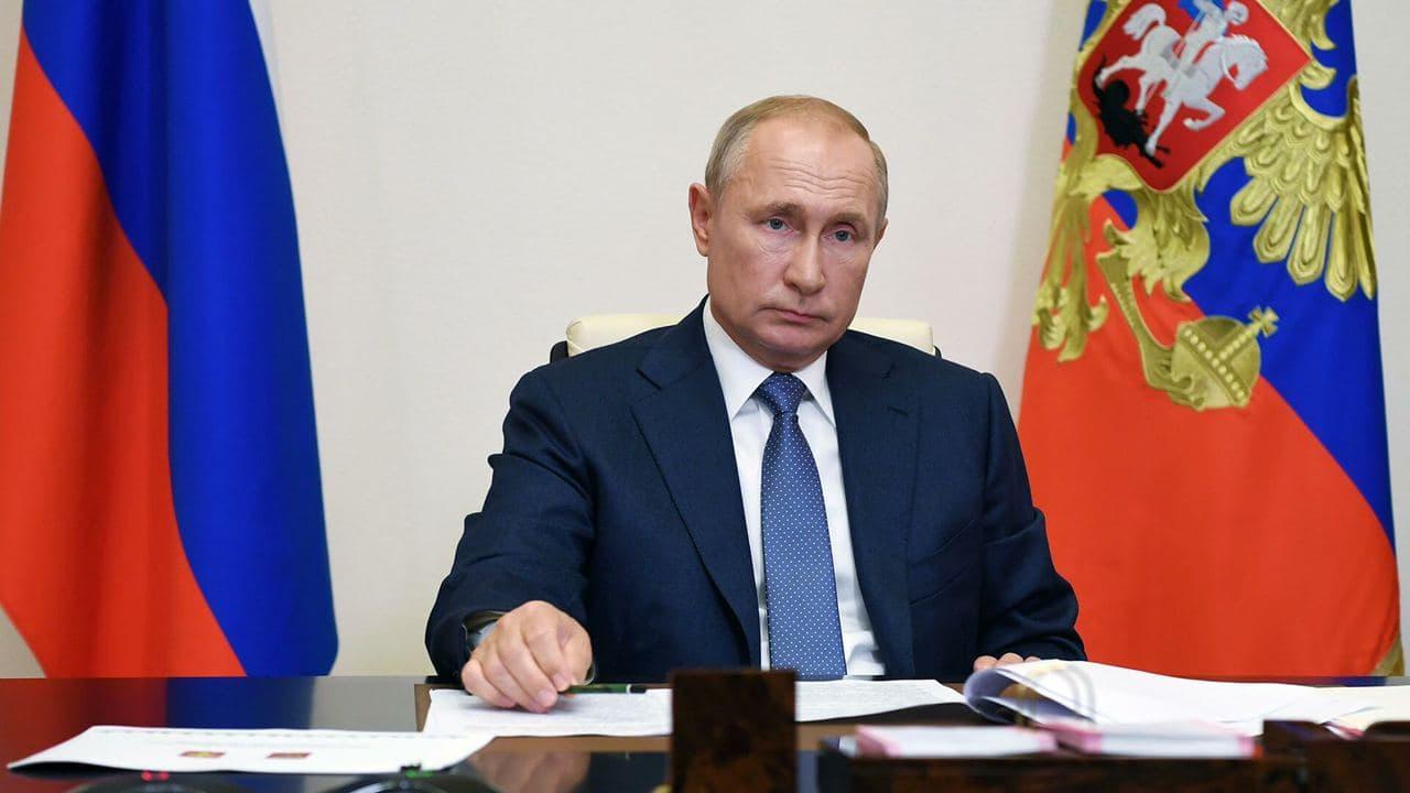 Возить медиков на такси по тарифу «минимум» одобрил Владимир Путин