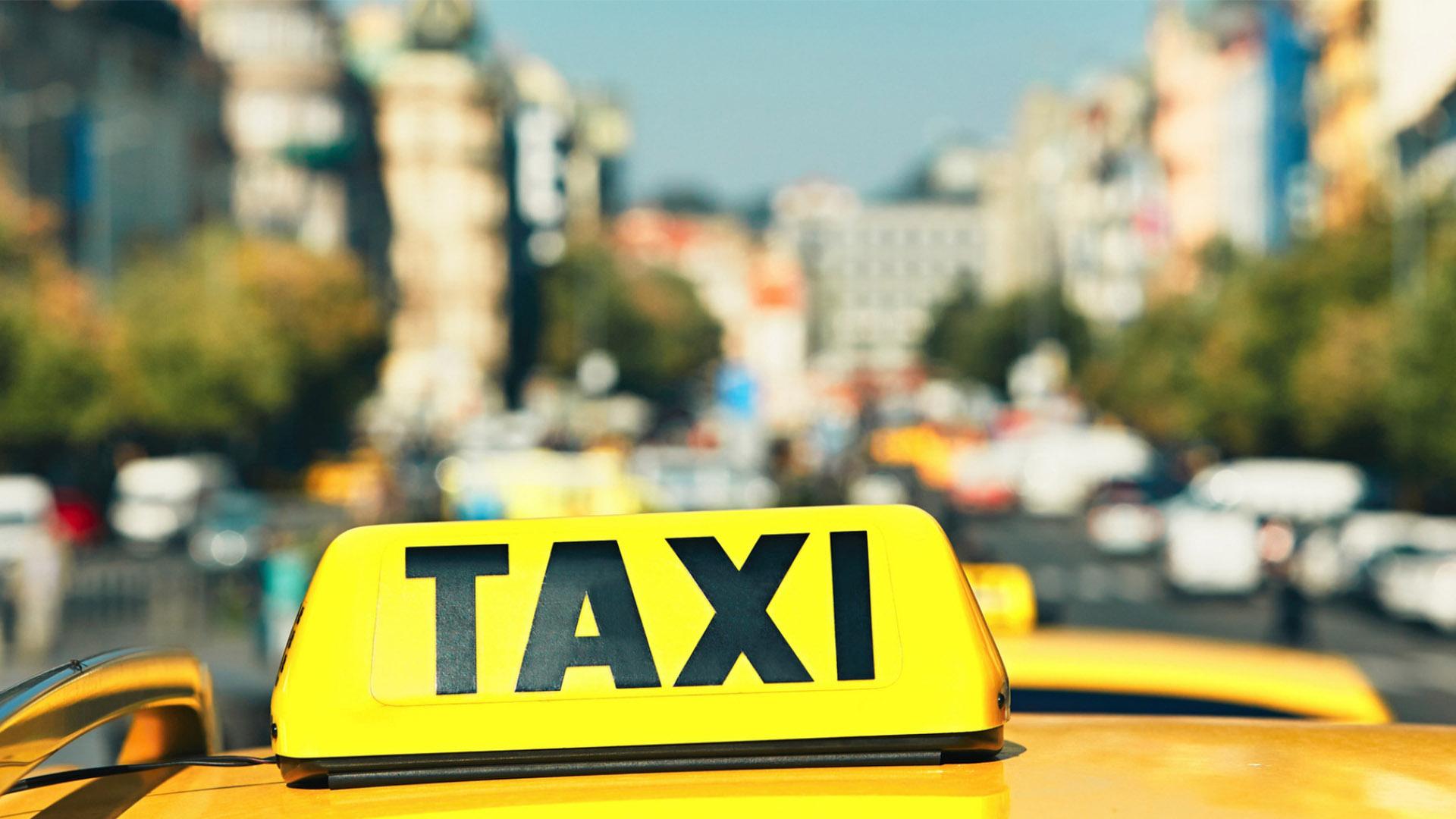 В Сочи летом могут ограничить въезд иногородних машин такси