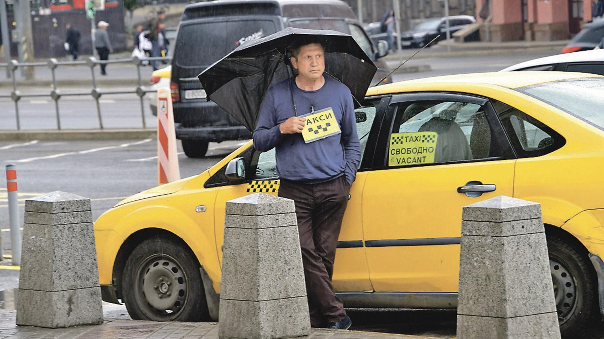 """Для """"таксистов-зазывал"""" на курортах Кубани планируют ввести штрафы"""