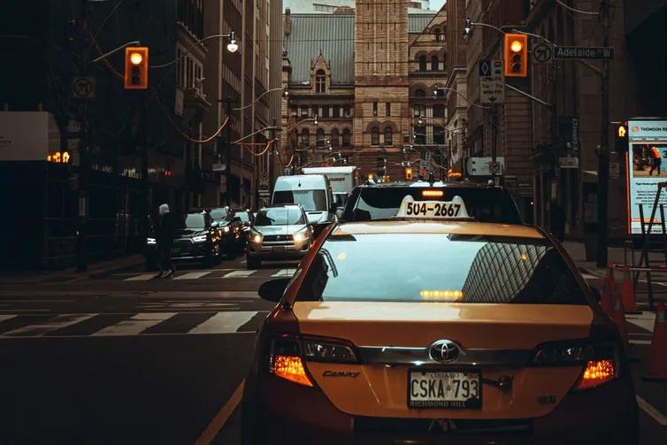 """Как водители Uber избежали участи таксистов ценой стигматизации """"настоящих"""" водителей такси"""