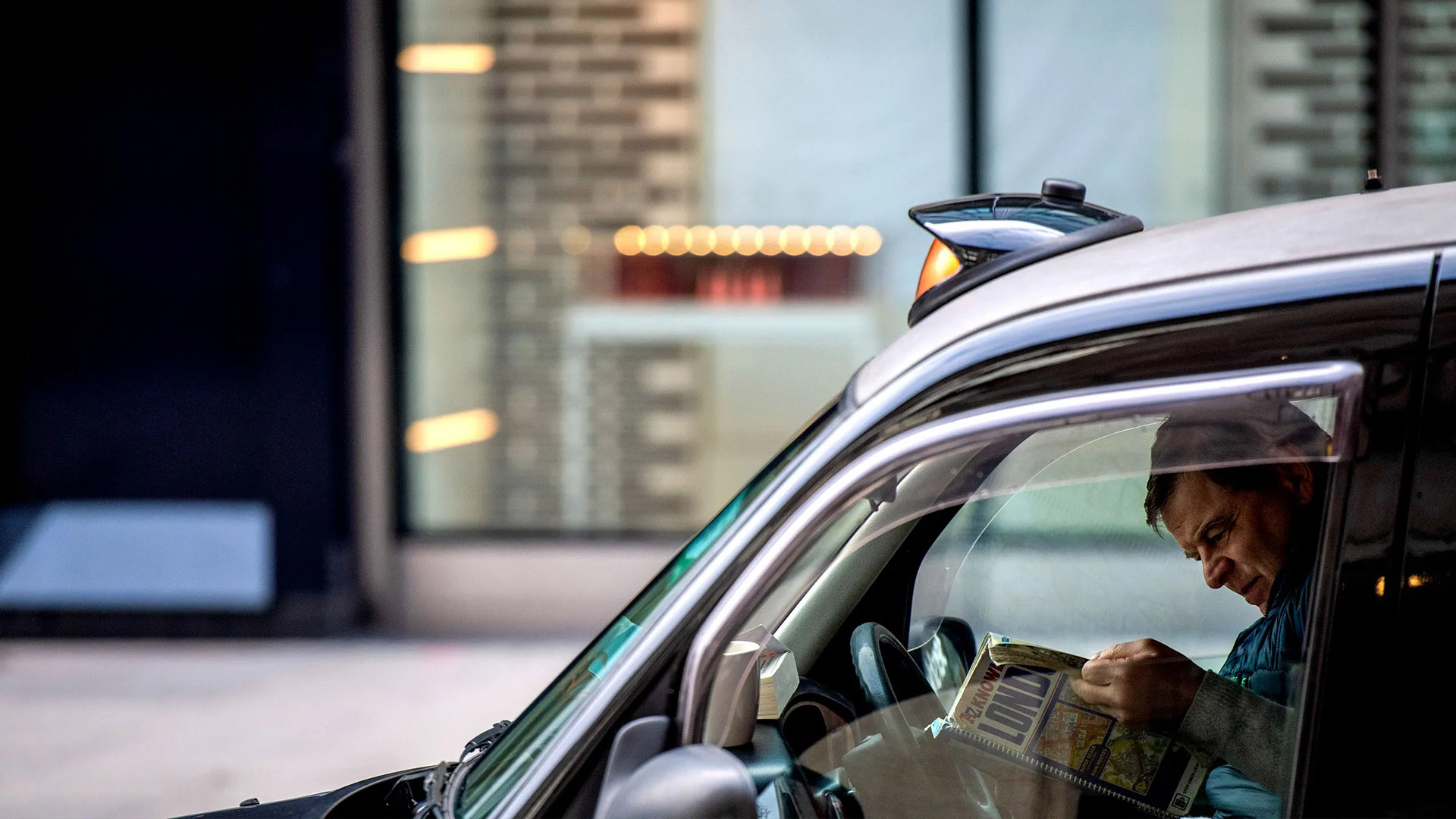 """Назревает огромный скандал из-за """"стоянки такси"""" Uber в Сохо (Лондон)"""