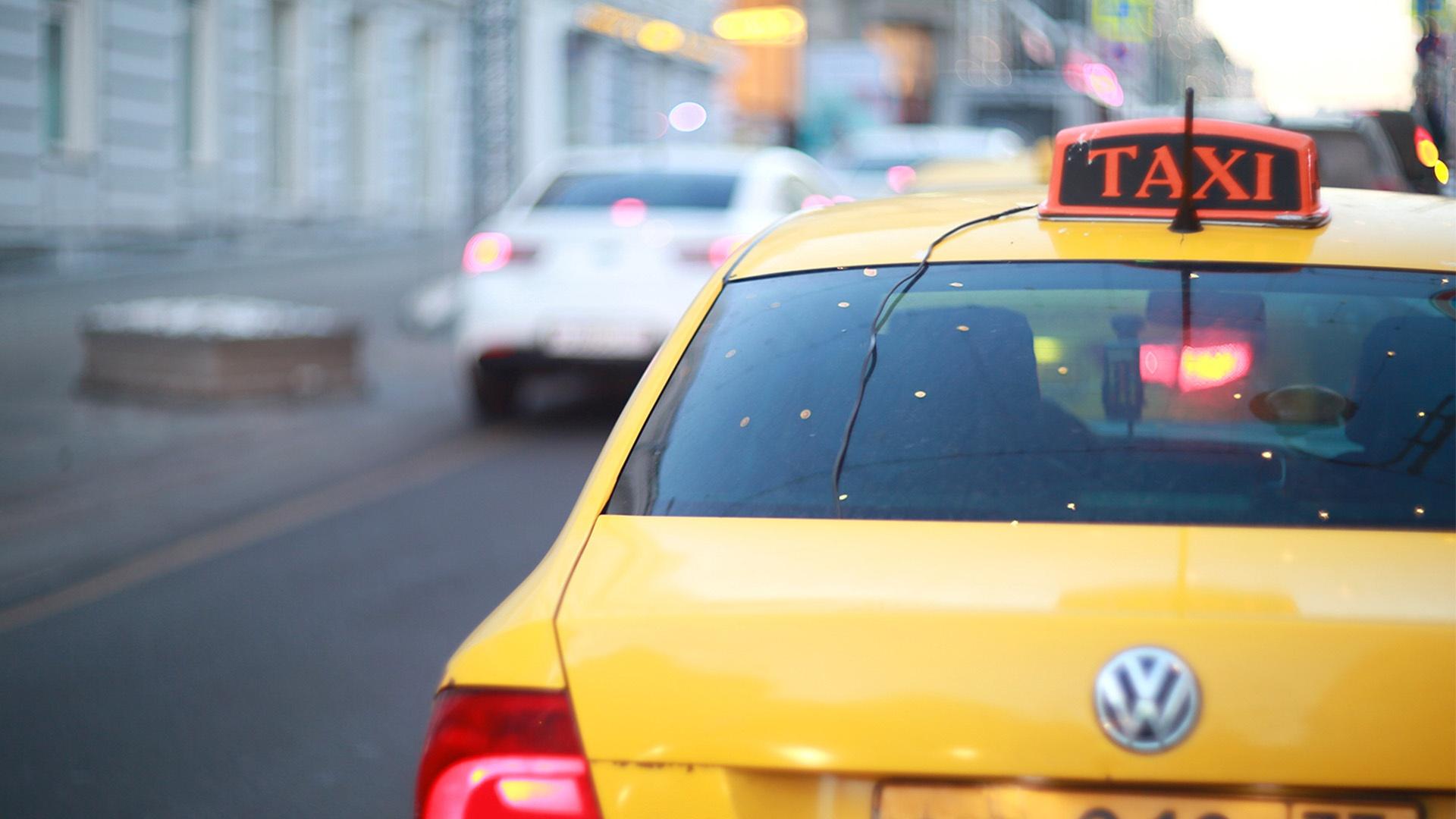 Общественники попросили губернатора Прикамья не вводить желтый цвет такси