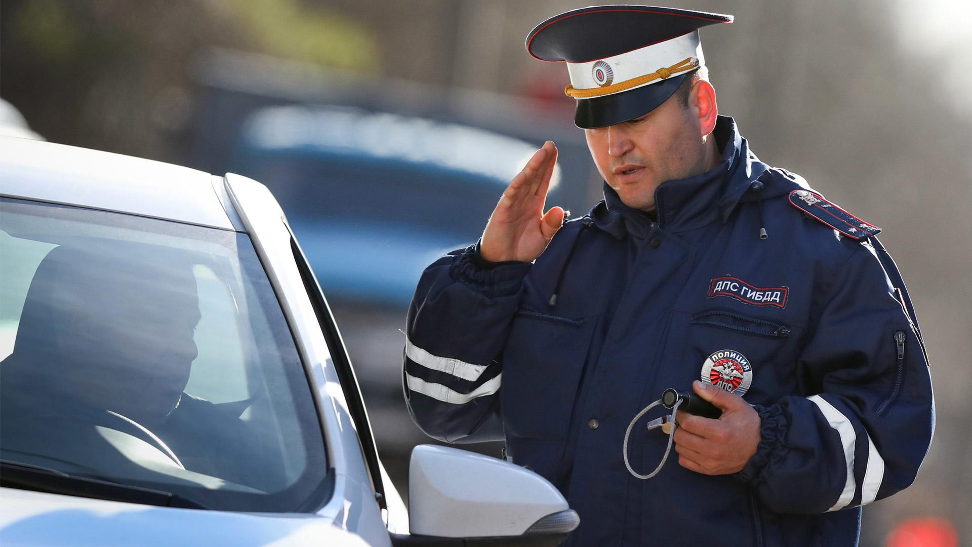 В МВД назвали ситуации, при которых инспектора могут использовать автомобили граждан