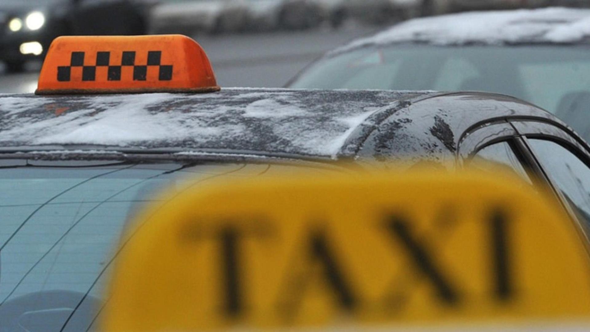 Для амурчан подготовят памятку по отличию легального такси от нелегала